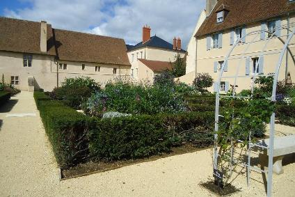 Visit Nevers - Nevers Trip Planning